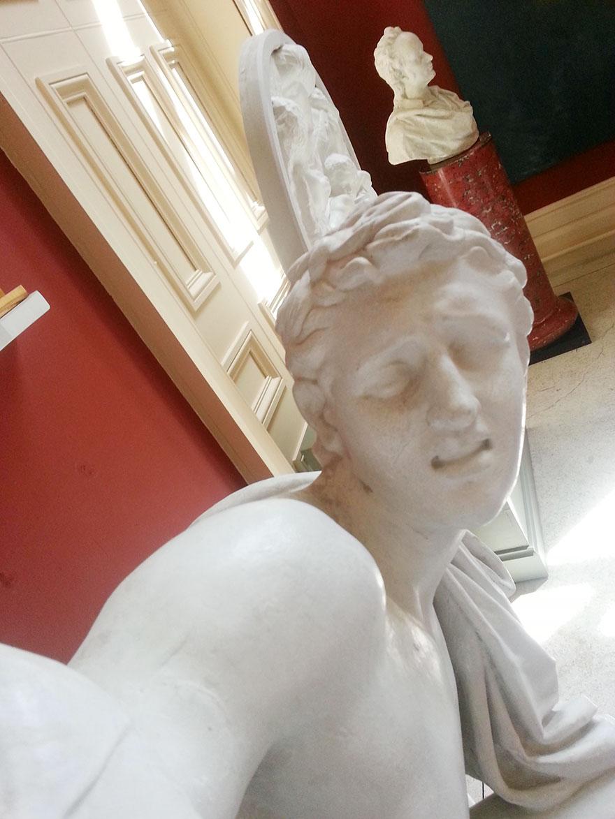 selfie heykel