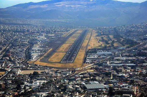 Old Mariscal Sucre Havalimanı, Ekvador