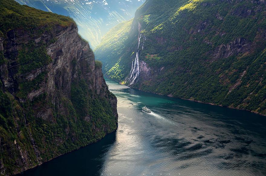 Geirangerfjord Yedi Kız Kardeşler Şelalesi