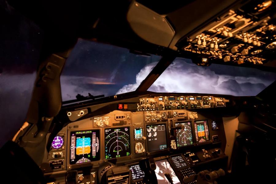 uçak-yıldırım