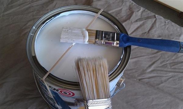 boya yaparken fırçayı koyma