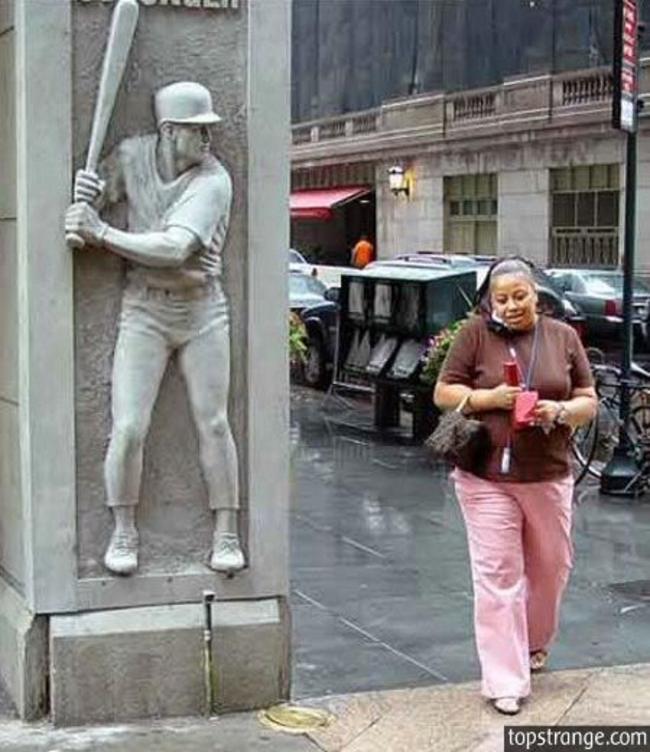 heykellerden dayak yiyen insanlar-54121