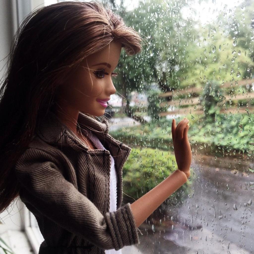 Hipster Barbie, Klişe Instagram Pozlarıyla InstaGirl'lere Meydan Okudu 1