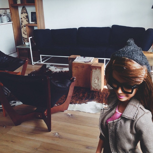 Hipster Barbie, Klişe Instagram Pozlarıyla InstaGirl'lere Meydan Okudu 6