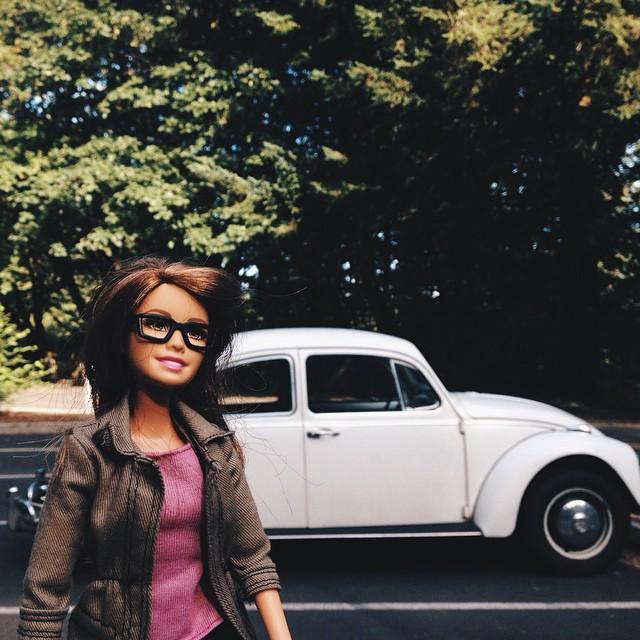 Hipster Barbie, Klişe Instagram Pozlarıyla InstaGirl'lere Meydan Okudu 8