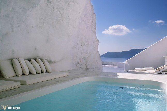 Katikies hotel pool in Santorini